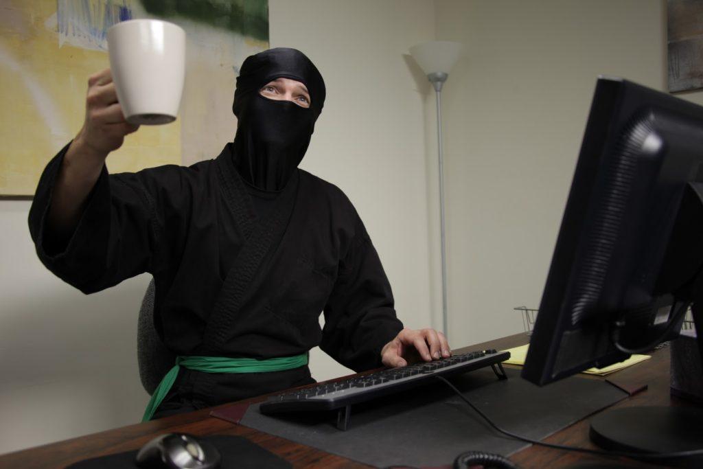 Współczesne wyobrażenia o ninja zostały nieco zniekształcone. Pracowali kiedyś jak każdy inny pracownik korporacji.